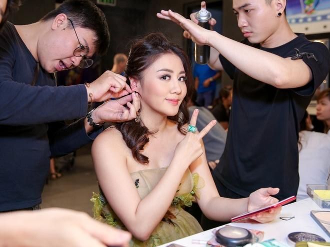 Sau on ao o The Face, Minh Hang ngoi ghe nong Vietnam Idol Kids hinh anh 9