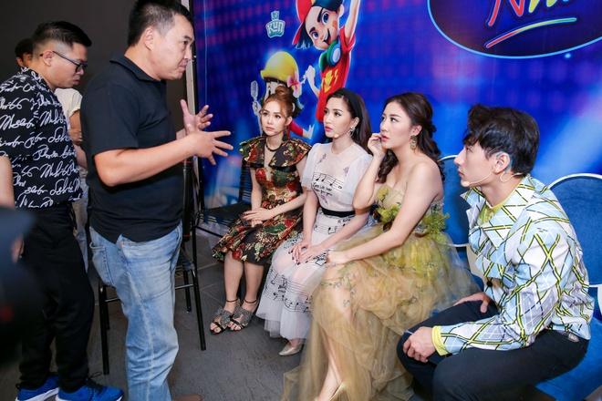 Sau on ao o The Face, Minh Hang ngoi ghe nong Vietnam Idol Kids hinh anh 3