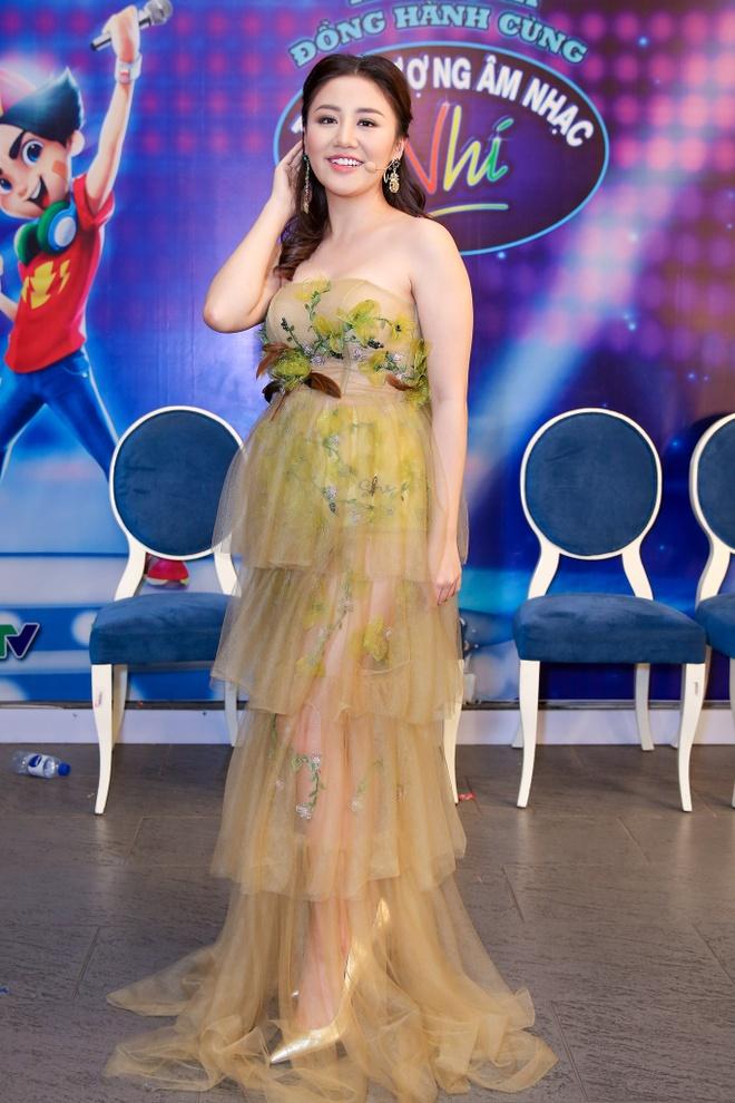 Sau on ao o The Face, Minh Hang ngoi ghe nong Vietnam Idol Kids hinh anh 10