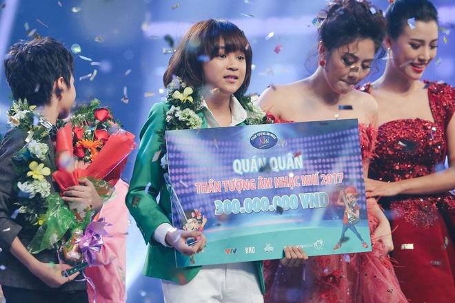 Thien Khoi tro thanh quan quan Vietnam Idol Kids mua 2 hinh anh