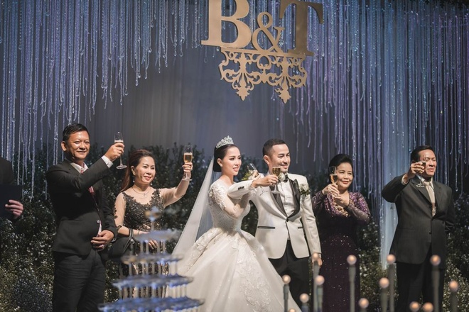 Bao Thy ru Quang Vinh hat mung dam cuoi anh trai hinh anh 8