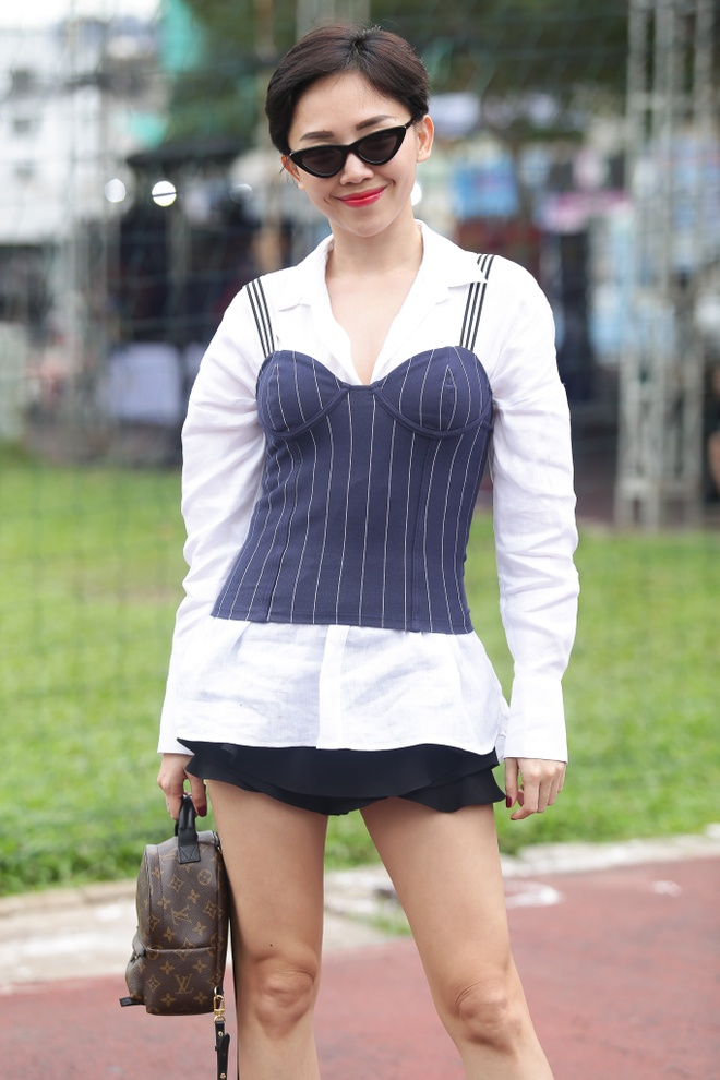 Toc Tien, Hoang Touliver tong duyet chuong trinh giua trua nang hinh anh 2