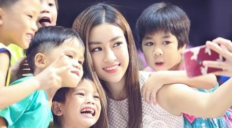 Do My Linh, Thanh Tu don Trung thu som cung tre em ngheo hinh anh