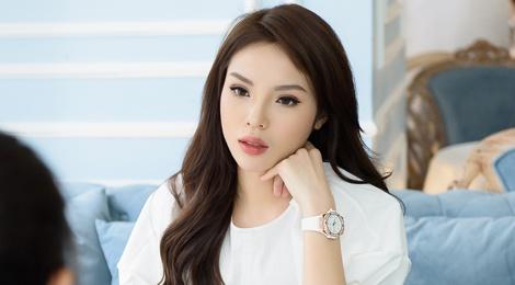 Hoa hau Ky Duyen: Bo me khung hoang khi toi quyet dinh don ra o rieng hinh anh