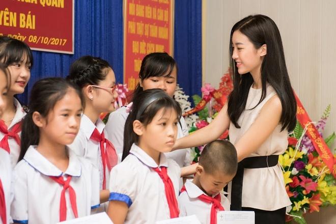Do My Linh duoc chao don khi ve Yen Bai lam du an cho Miss World hinh anh 1