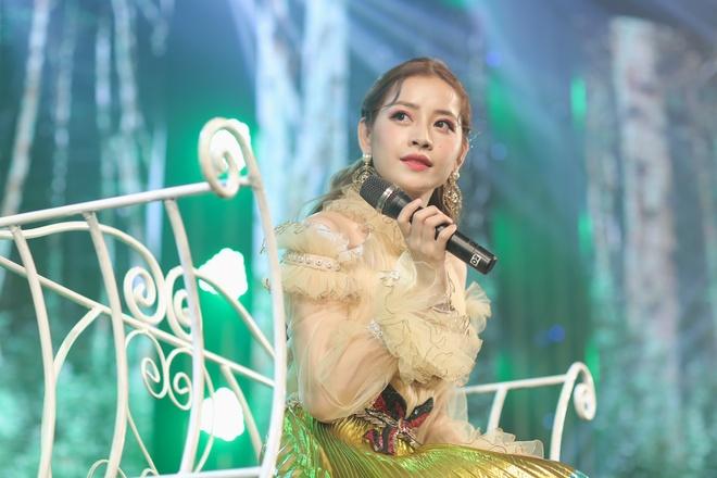 Chi Pu: 'Neu Huong Tram nhan xet van minh thi toi moi tiep thu' hinh anh 1