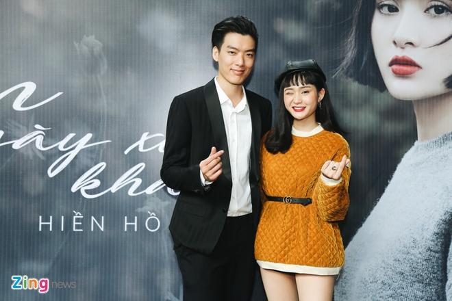 Hien Ho tung single Em ngay xua khac roi anh 2