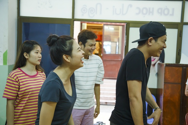 NSND Ngoc Giau, NSUT Hoai Linh tap luyen cho live show Kieu Minh Tuan hinh anh 7