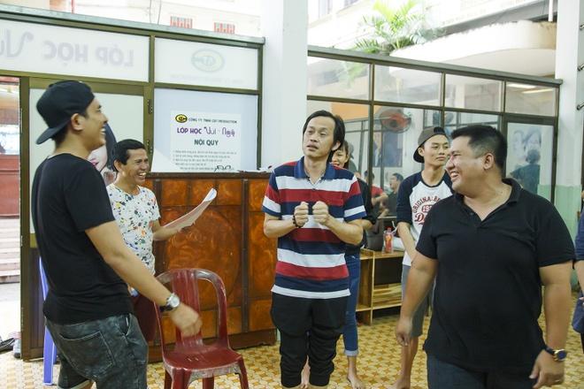 NSND Ngoc Giau, NSUT Hoai Linh tap luyen cho live show Kieu Minh Tuan hinh anh 8