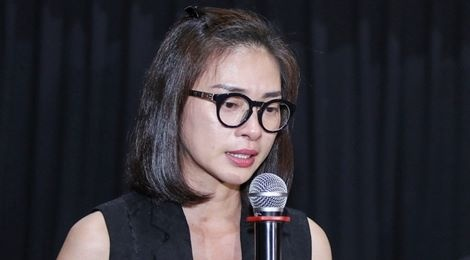 'Co Ba Sai Gon' bi livestream trai phep: Ngo Thanh Van bat khoc hinh anh