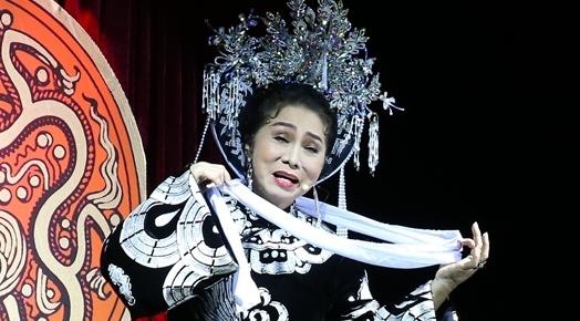 'Dem hoa le' - vo dien tai hien dau an Sai Gon - Cho Lon xua hinh anh