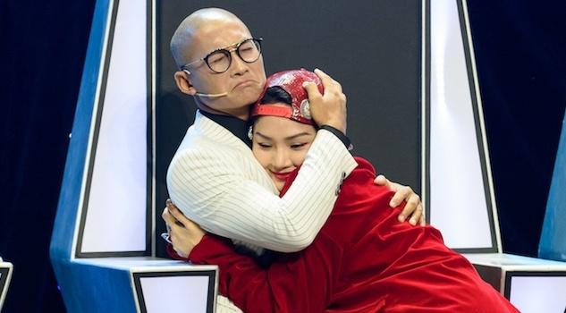 Nhom MTV: 'Miu Le nhu ngon nui lua dang phun trao, bi dap se rat dau' hinh anh
