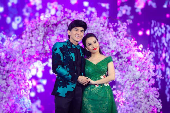 Dan Truong - Cam Ly tai hop the hien hit cach day gan 10 nam hinh anh 1