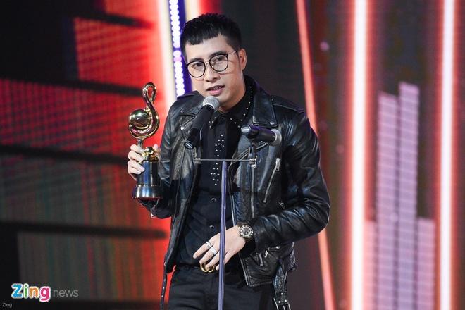 Min va Soobin Hoang Son thang lon o Zing Music Awards 2017 hinh anh 17