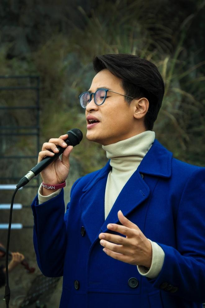 Ha Anh Tuan mo man See Sing Share mua 3 tai Ninh Binh hinh anh 2