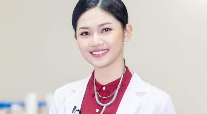 A hau Thanh Tu duoc chon lam MC ban tin cua VTV24 hinh anh