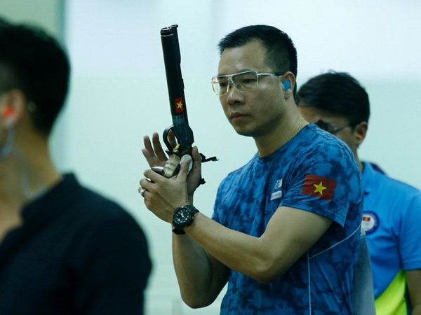 Vuot qua thanh tich World Cup, Hoang Xuan Vinh gianh HCV thu hai hinh anh