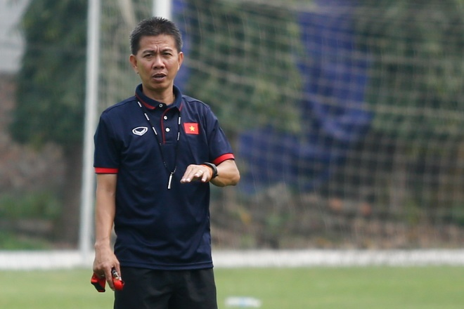 HLV Hoang Anh Tuan: 'U20 Viet Nam khong den World Cup de du lich' hinh anh 1