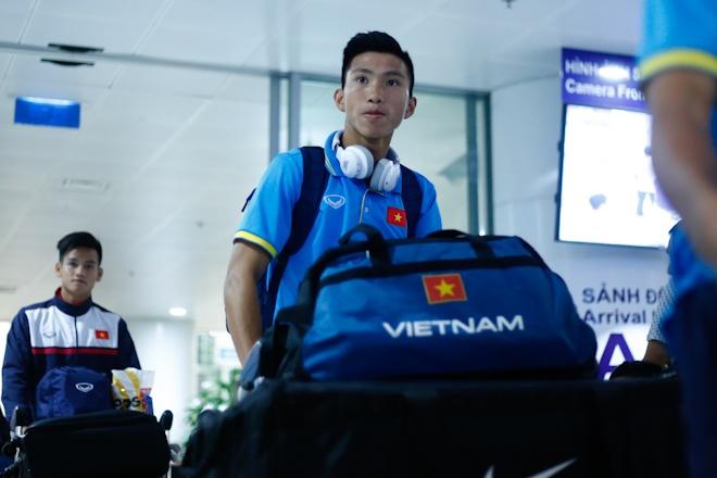 U20 Viet Nam met moi tro ve sau chuyen bay dai 30 tieng hinh anh 3