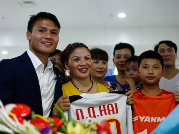 CDV nong nhiet chao don U20 Viet Nam tro ve tu World Cup hinh anh