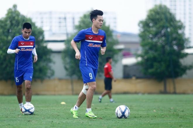 Chan thuong bien chung, Van Toan lo ca tuyen Viet Nam va V.League hinh anh 1