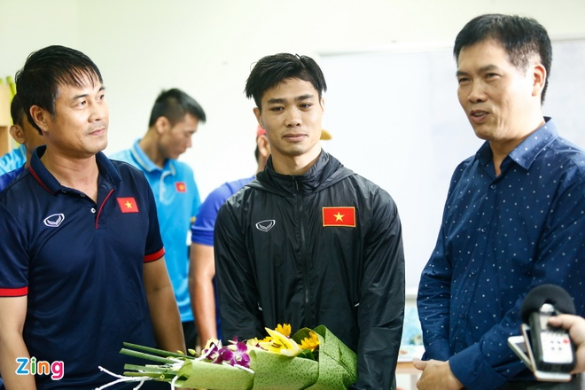 Truong Doan the thao Viet Nam dong vien U22 Viet Nam truoc SEA Games hinh anh