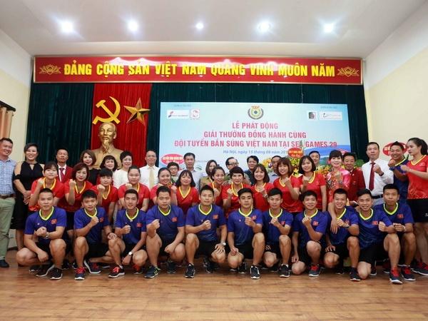 Mua tien thuong cho tuyen ban sung Viet Nam truoc SEA Games 2017 hinh anh