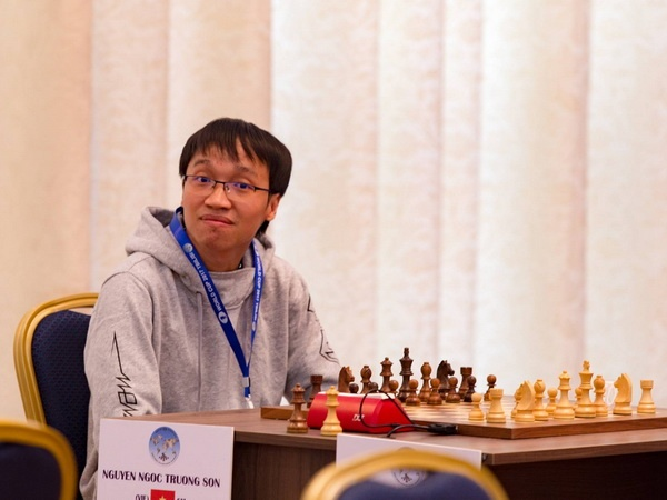 Nguyen Ngoc Truong Son chia tay Cup the gioi sau 6 van day kich tinh hinh anh