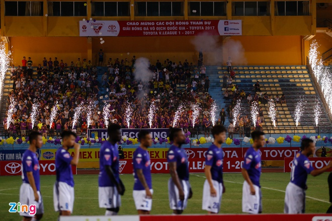 Mat diem truoc Sai Gon, Ha Noi FC xa roi ngoi vo dich hinh anh 1