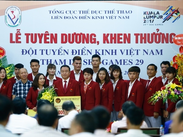Dien kinh Viet Nam nhan thuong tien ty sau ky tich SEA Games hinh anh
