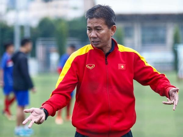 HLV Hoang Anh Tuan mang U19 Viet Nam: Tu trong cac ban o dau? hinh anh