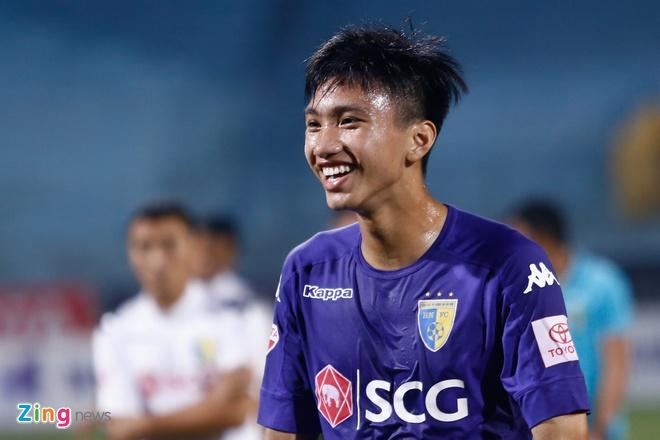 Doan Van Hau thu lam tien dao, ghi ban dau tien tai V.League hinh anh 1