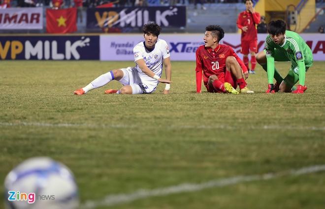 Cong Phuong tit ngoi, U23 Viet Nam thua sat nut CLB Han Quoc hinh anh 2