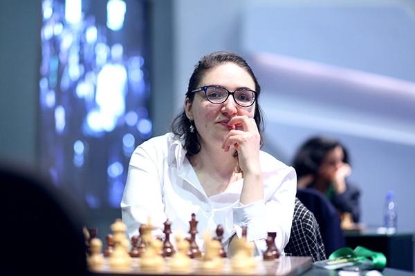 Vua co Magnus Carlsen thuc tinh, doi lai chuc vo dich the gioi hinh anh 3