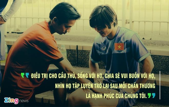 Bac si U23 Viet Nam: Toi bao con rang bo khong can dung giua san khau hinh anh 1