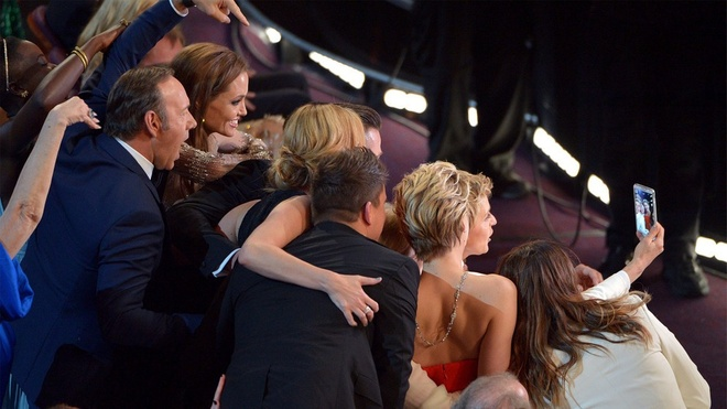 12 meo chup tu suong tu buc anh Oscar 2014 dinh dam hinh anh