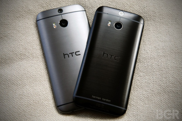 Co dong HTC noi gian vi khong duoc tang smartphone mien phi hinh anh
