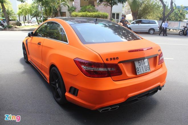Mercedes E350 độ bodykit, sơn màu cam độc đáo ở Sài Gòn