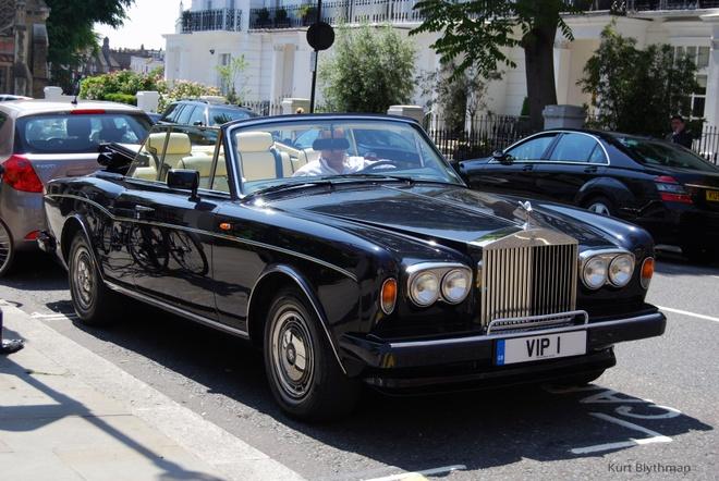 Nhung chiec xe tung qua tay ty phu Abramovich hinh anh