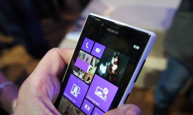Microsoft se co smartphone 'tu suong' va PureView gia re hinh anh