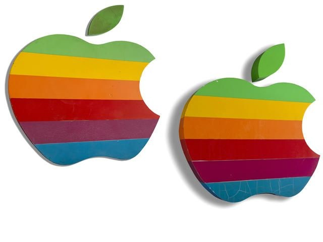 10 mon do cua Apple tung gay song gio tai cac phien dau gia hinh anh 1