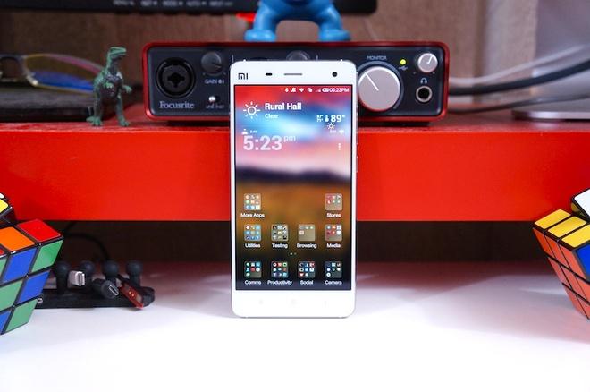 Xiaomi se co smartphone man hinh sapphire truoc Apple hinh anh