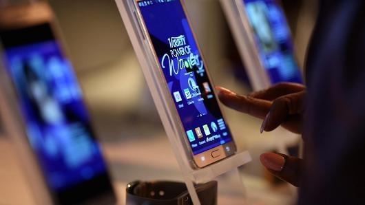 Doi thu cua Android tu Samsung bi nghi ngo hinh anh