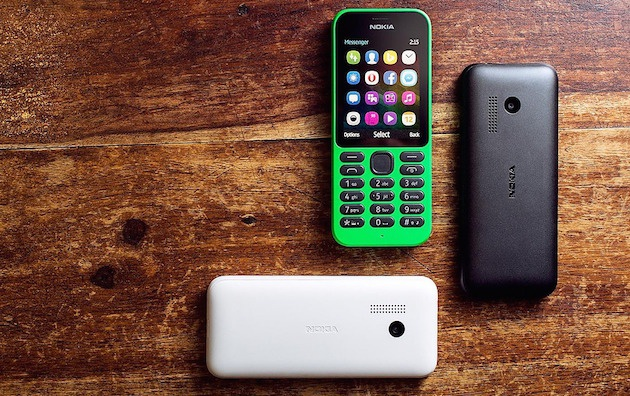 Thuong hieu Nokia se tai xuat dau nam 2015 hinh anh 2 Nokia 215 có nhiều tính năng vượt trội so với các mẫu điện thoại cơ bản hiện nay.