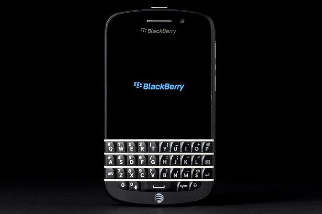 Thuong hieu BlackBerry tron 16 tuoi hinh anh