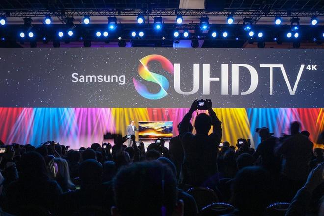 Cac dai dien Samsung noi ve dong TV moi o Viet Nam hinh anh