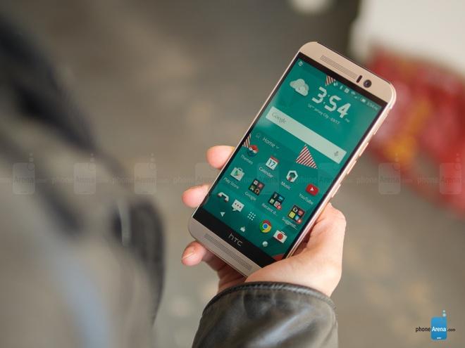 10 dien thoai Android dep nhat hinh anh 2 HTC One M9: là đỉnh cao của thiết kế unibody, One M9 vẫn giữ nguyên phong cách thiết kế đã có trên One M7 và One M8. Chất lượng hoàn hiện của thiết bị được đánh giá cao so với người tiền nhiệm. Một điểm trừ của model đó là HTC One M9 có tỷ lệ màn hình / mặt trước quá nhỏ. Sản phẩm đang được bán với giá 17 triệu.