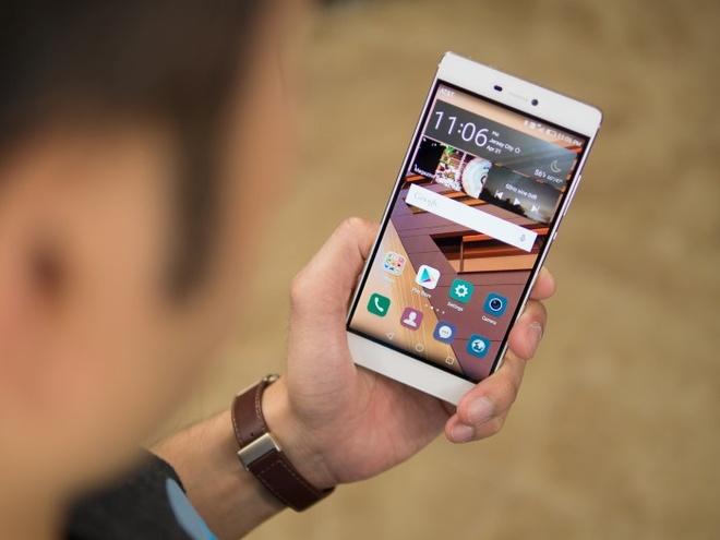 10 dien thoai Android dep nhat hinh anh 4 Huawei P8: Sản phẩm được giới thiệu vào trung tuần tháng 4 nhưng đã khiến nhiều người thán phục. Huawei P8 cũng sử dụng thiết kế nguyên khối, đặc biệt model chỉ mỏng 6,4 mm. Được giới công nghệ đánh giá là sản phẩm có thiết kế nổi bật trong số các thiết bị trình làng từ đầu năm 2015 đến nay.
