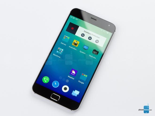 10 dien thoai Android dep nhat hinh anh 6 MX4 Pro: là sản phẩm của Meizu, một hãng sản xuất điện thoại mới nổi đến từ Trung Quốc. MX4 Pro có thiêt kế đơn giản với khung kim loại, viền màn hình mỏng cùng mặt lưng được làm cong vát. Điểm nổi bật là sản phẩm có cấu hình khủng nhưng có giá thành chỉ bằng một nửa những siêu phẩm khác.