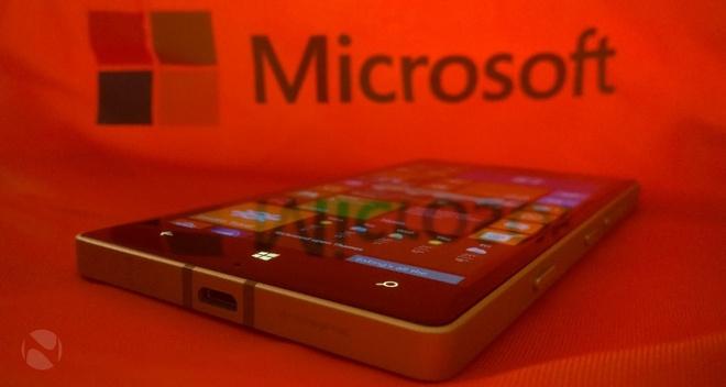 CEO Microsoft: 'Smartphone cao cap cua chung toi chua tot' hinh anh